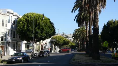 San-Francisco-California-street-scene-with-palm-trees