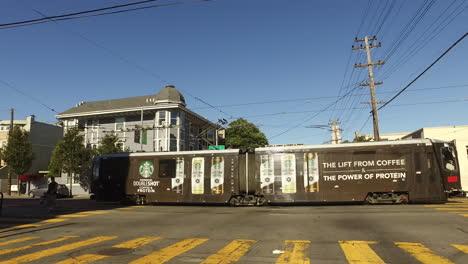 San-Francisco-California-streetcar-and-bikes
