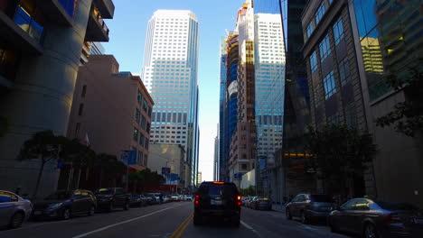 San-Francisco-California-El-Tráfico-Y-Los-Edificios-Del-Centro-