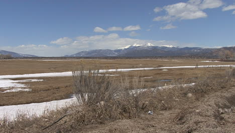 Colorado-Sawatch-Range-and-broad-valley
