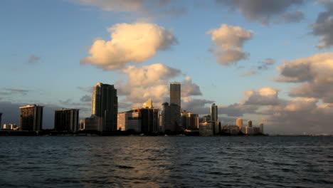 Florida-Miami-skyline-timelapse-in-evening