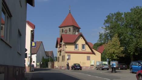 Iglesia-De-La-Aldea-De-Rhinelalnd-Platz-De-Alemania
