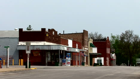Illinois-Macon-stores-on-main-street