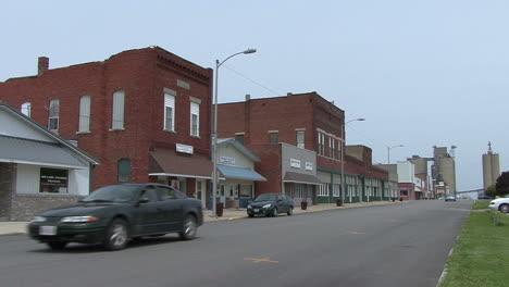 Illinois-small-town-main-street