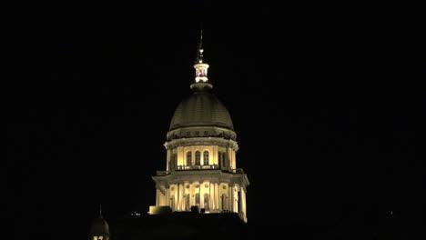 Illinois-statehouse-dome-at-night