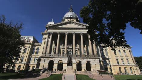 Illinois-statehouse-facade-Springfield