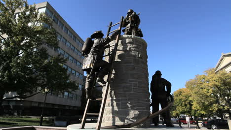Illinois-statue-of-fire-fighters