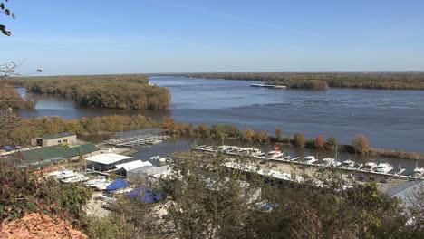 Iowa-Burlington-Mississippi-river-view