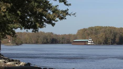 Iowa-Burlington-Iowa-barge-on-river