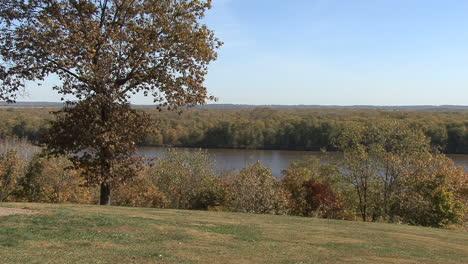 Iowa-Mississippi-River-at-Burlington-with-tree