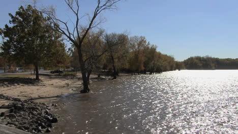 Iowa-Mississippi-River-bank