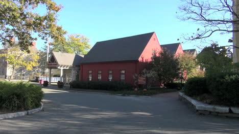 Salem-Massachusetts-House-of-Seven-Gables-across-street