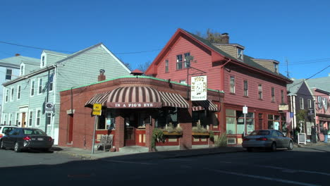 Salem-Massachusetts-corner-with-restaurant