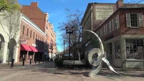 Salem-Massachusetts-pedestrian-mall-with-sculpture