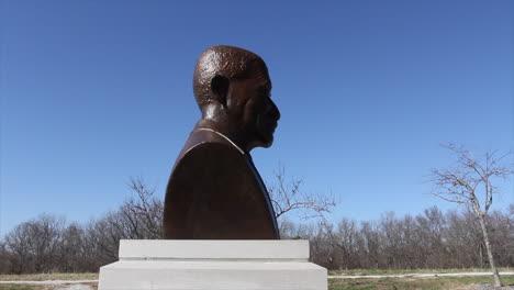 Missouri-George-Washington-Carver-statue