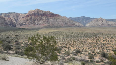 Red-Rock-Canyon-Nevada-with-distant-mountains
