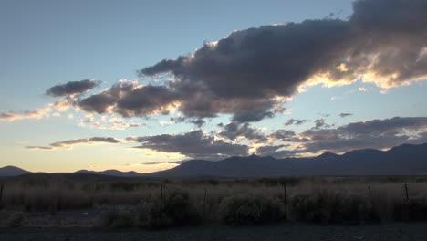 Nevada-Graue-Wolken-Im-Abendlichen-Zeitraffer