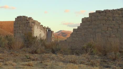 Nevada-sod-house-ruins