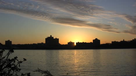New-York-City-sunrise-with-clouds