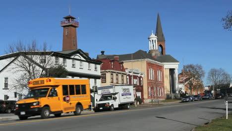 Goshen-New-York-Street-Scene-Con-Autobús-Escolar