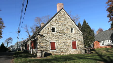 A-side-view-of-the-Bevier-House-in-New-Paltz-