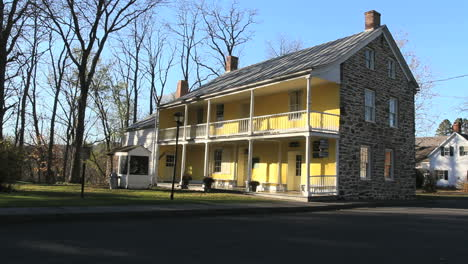 The-Du-Bois-house-was-built-by-seventeenth-century-French-Huguenot-settlers-