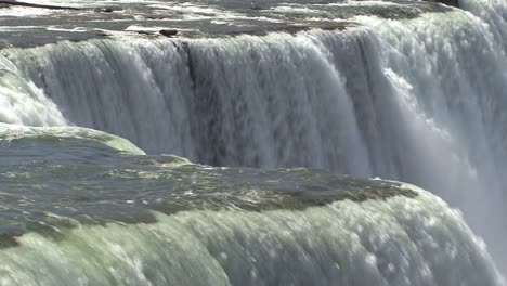 New-York-Niagara-Falls-plunging-water-from-Prospect-Point