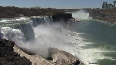 New-York-Niagara-Falls-Vom-Aussichtspunkt-Aus-Gesehen