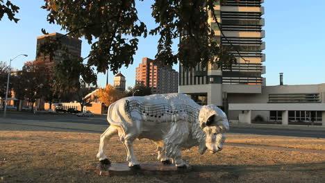Oklahoma-Bartlesville-bison-statue