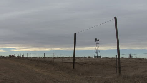 Oklahoma-windmill-and-fence