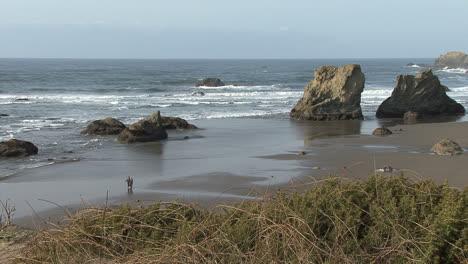 Bandon-Oregon-man-on-beach
