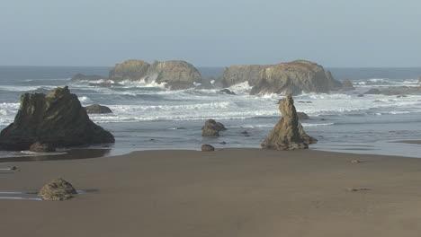 Bandon-Oregon-offshore-rocks