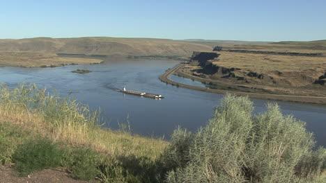 Oregon-Columbia-Gorge-Celilo-Falls-Site-Barge-Zeitraffer-Site