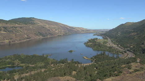 Oregon-Columbia-Gorge-Rowena-Crest-overlook