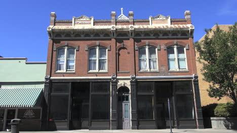 Oregon-Pendleton-old-brick-building