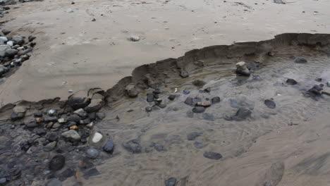 Oregon-coast-rocks-in-stream