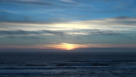 Oregon-coast-sunset-and-drifting-fog
