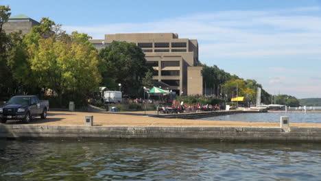 Campus-De-La-Universidad-De-Wisconsin-Madison-En-El-Lago