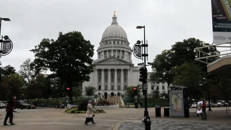 Edificio-Del-Capitolio-De-Wisconsin-Madison