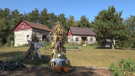 Reedsburg-Wisconsin-Pioneer-Log-Village-dwellings