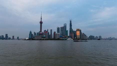 Shanghai-Cityscape-and-Huangpu-River