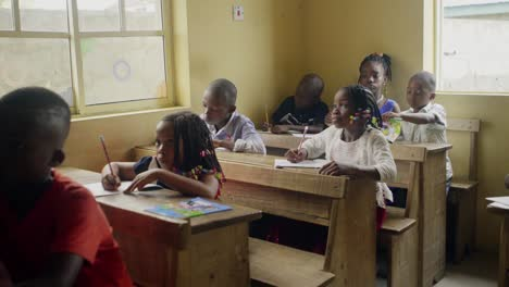 Nigerian-Children-in-Classroom-01