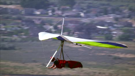 Hang-Glider-in-Slow-Motion