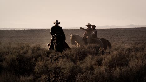 Cattlemen-Riding-Horses-at-Sunset-03
