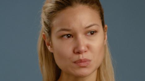 Cu-Verärgerte-Frau-Mit-Tränen-In-Den-Augen