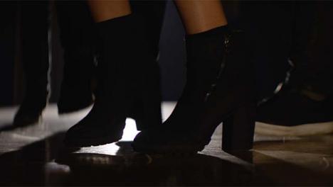Grupo-de-pies-bailando-en-Spotlight2