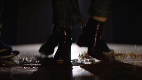 Grupo-de-pies-bailando-en-Spotlight3