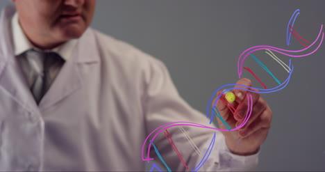 Científico-Dibujando-La-Estructura-Del-Adn