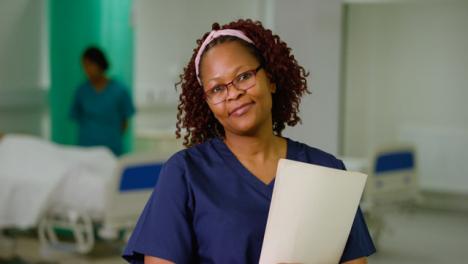 Retrato-de-trabajadora-médica