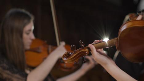 Nahaufnahme-Eines-Geigers-Der-Geige-Spielt-